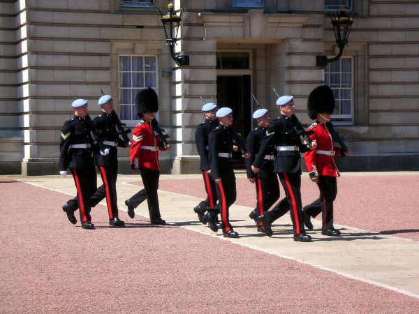 Buckingham Palace Changing Guards London