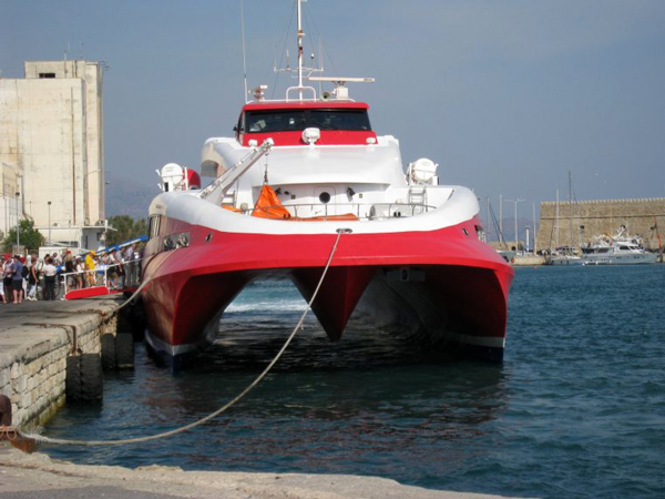 Crete to Santorini High Speed Hydrofoil Ferry