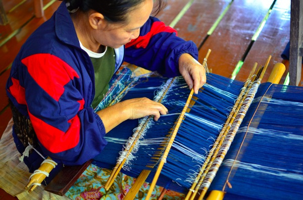 Backstrap Loom - Studio Naenna Chiang Mai, Thailand   Running Blonde