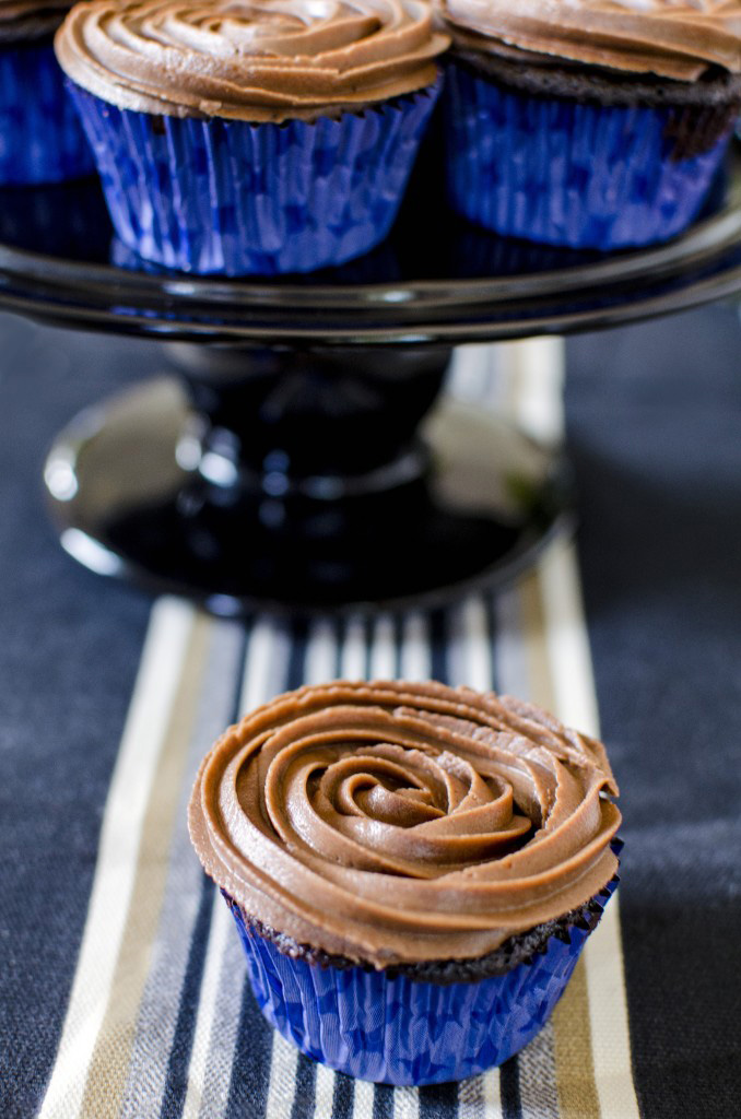 BEST Chocolate Cream Cheese Frosting Recipe