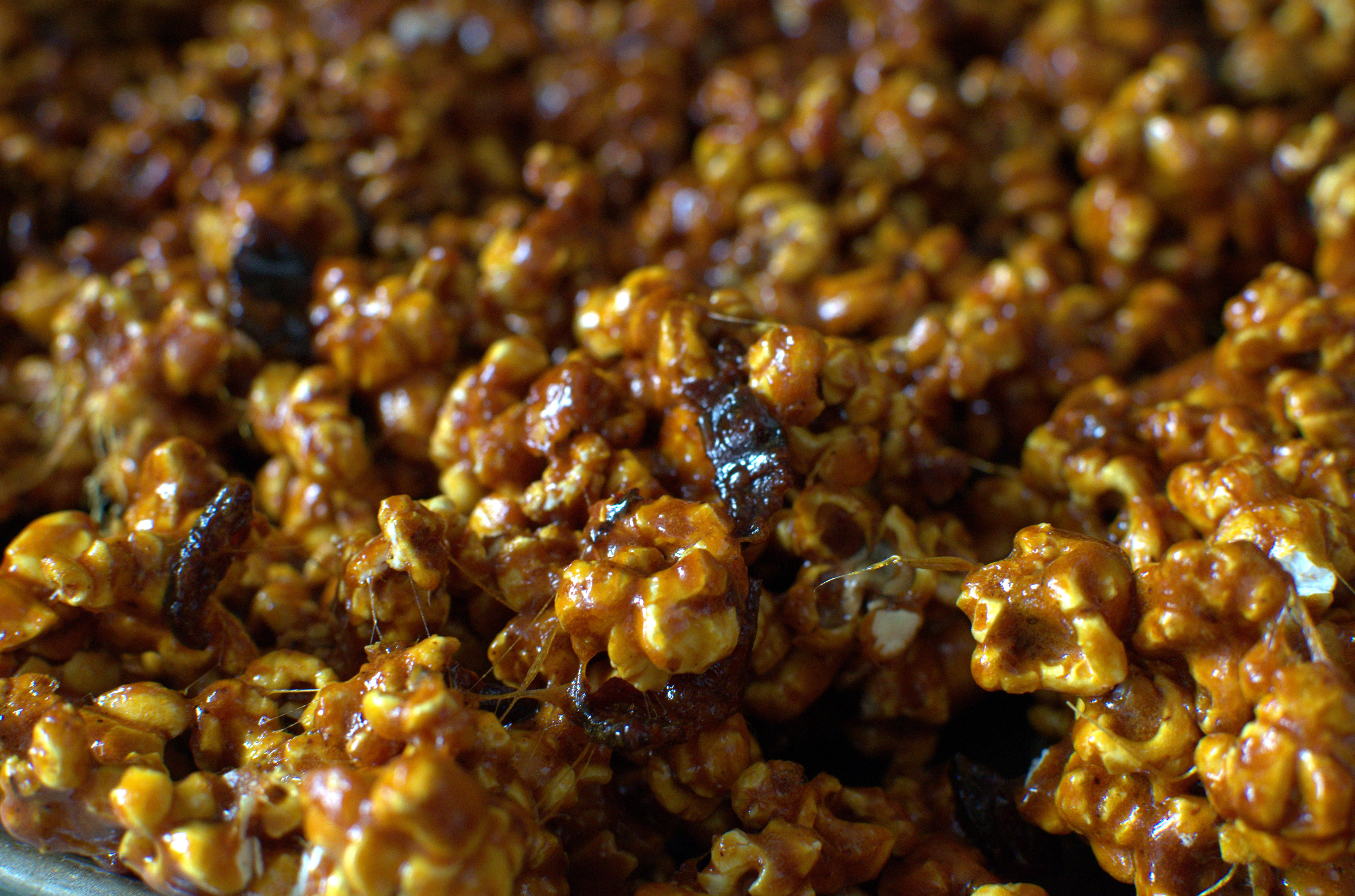 Spicy Caramel Bacon Popcorn Recipe | A Side of Sweet
