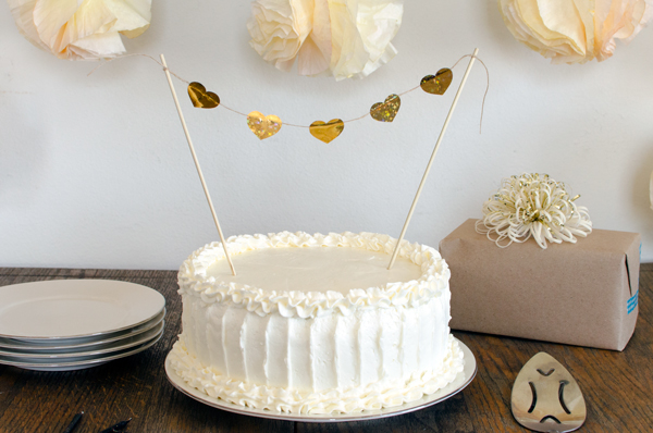 Gold Heart Cake Topper DIY for a Wedding Cake