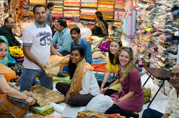 Travel Amritsar India - Sari Shopping