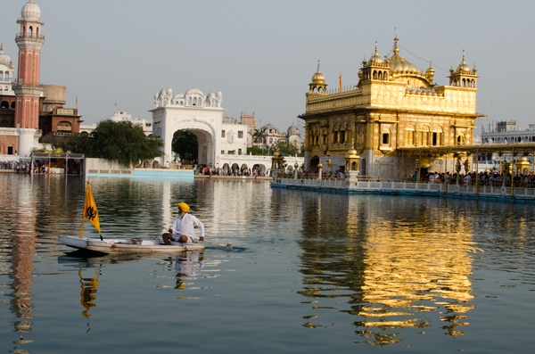 The Amritsar Golden Temple India Travel