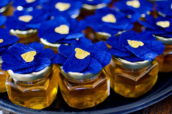 Cute DIY Honey Jar Party Favors