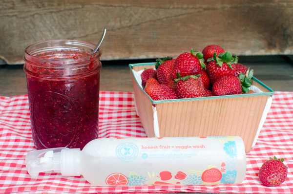 Old Fashioned Strawberry Jam Recipe +The Honest Company Giveaway and Discount Code