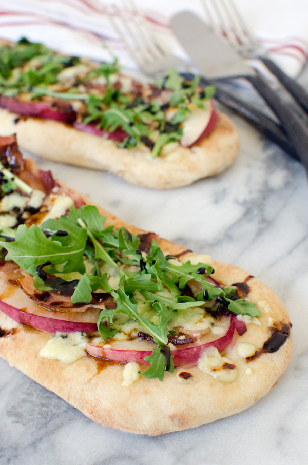 Peach Gorgonzola Naan Flatbread Pizzas - make your own personal pan pizzas!
