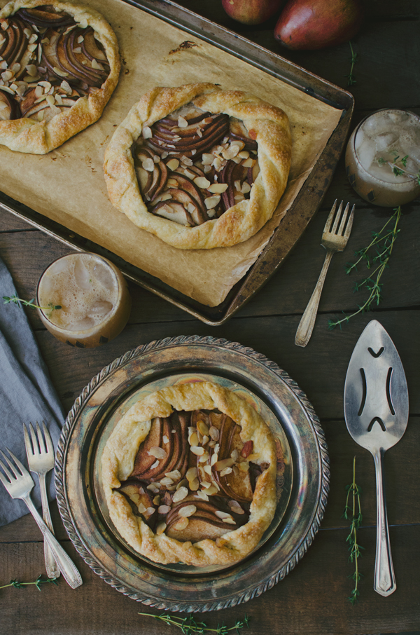 Perfect Holiday Recipes :: Pear Galette & Pear Thyme Cocktail