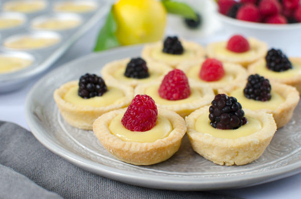 Mini Lemon Curd Tartlets Recipe - perfect for a party!