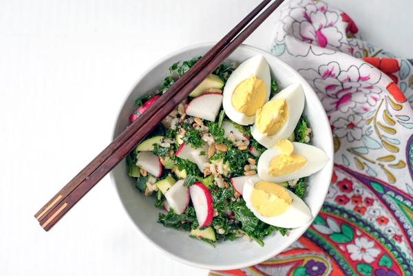 The perfect recipe for healthy leftovers all week long - kale, egg and veggie rice bowls