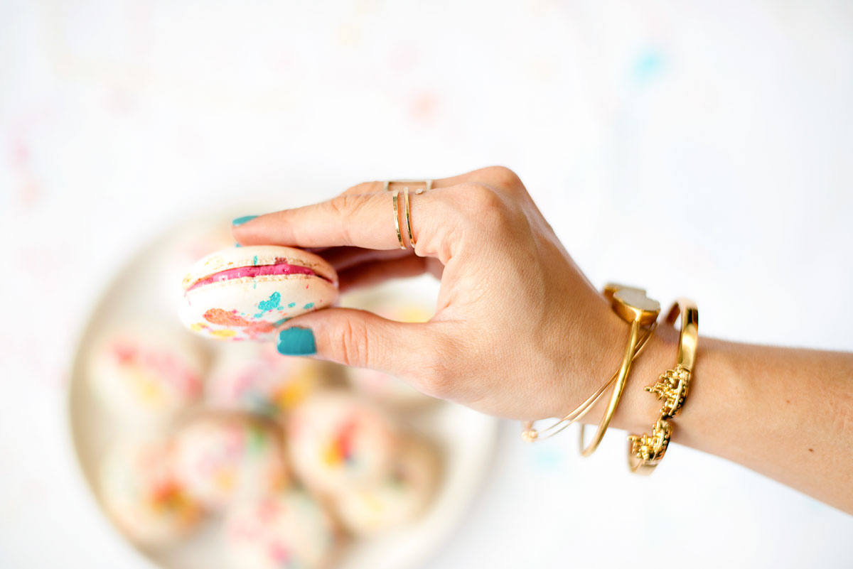 Splatter Painted French Macarons DIY with Plain Macaron Shells Recipe