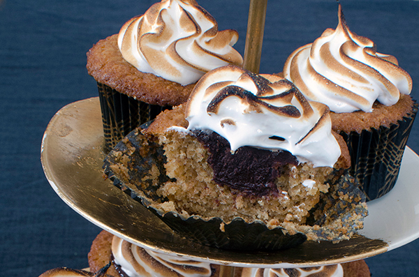 Best Cupcake Recipes - S'mores with Toasted Graham Cracker Cupcake Stuffed with Chocolate Ganache