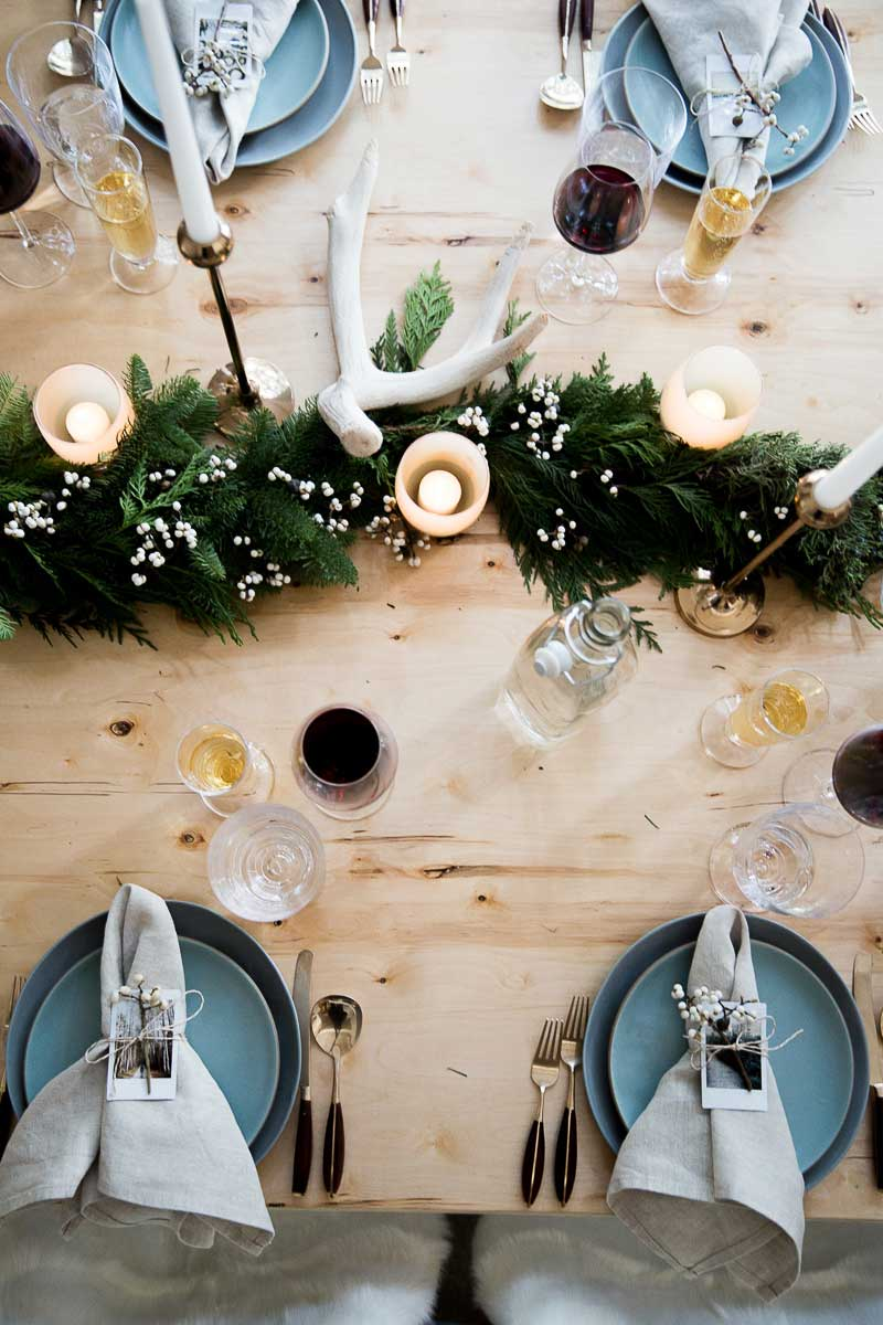 AWESOME Christmas or holiday dinner party design ideas.