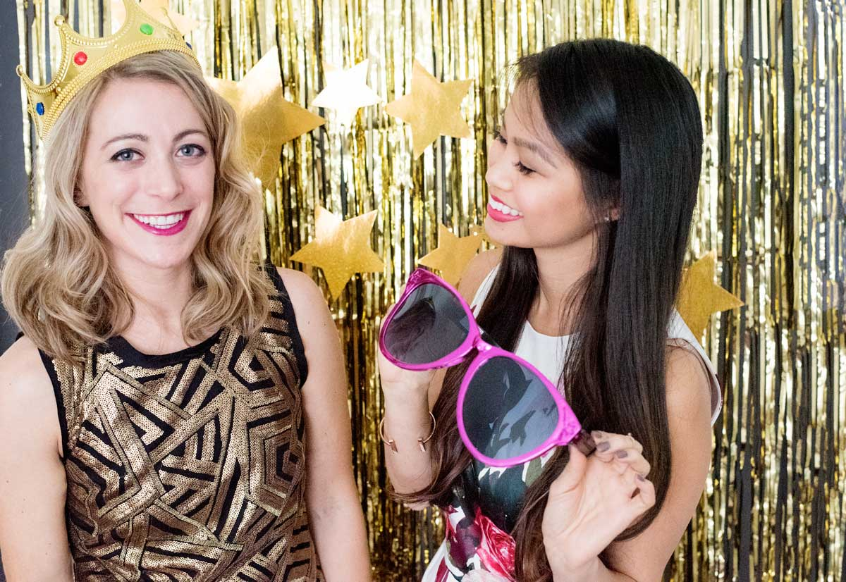 How to Make an Easy Gold Fringe Photobooth for a New Year's Party!
