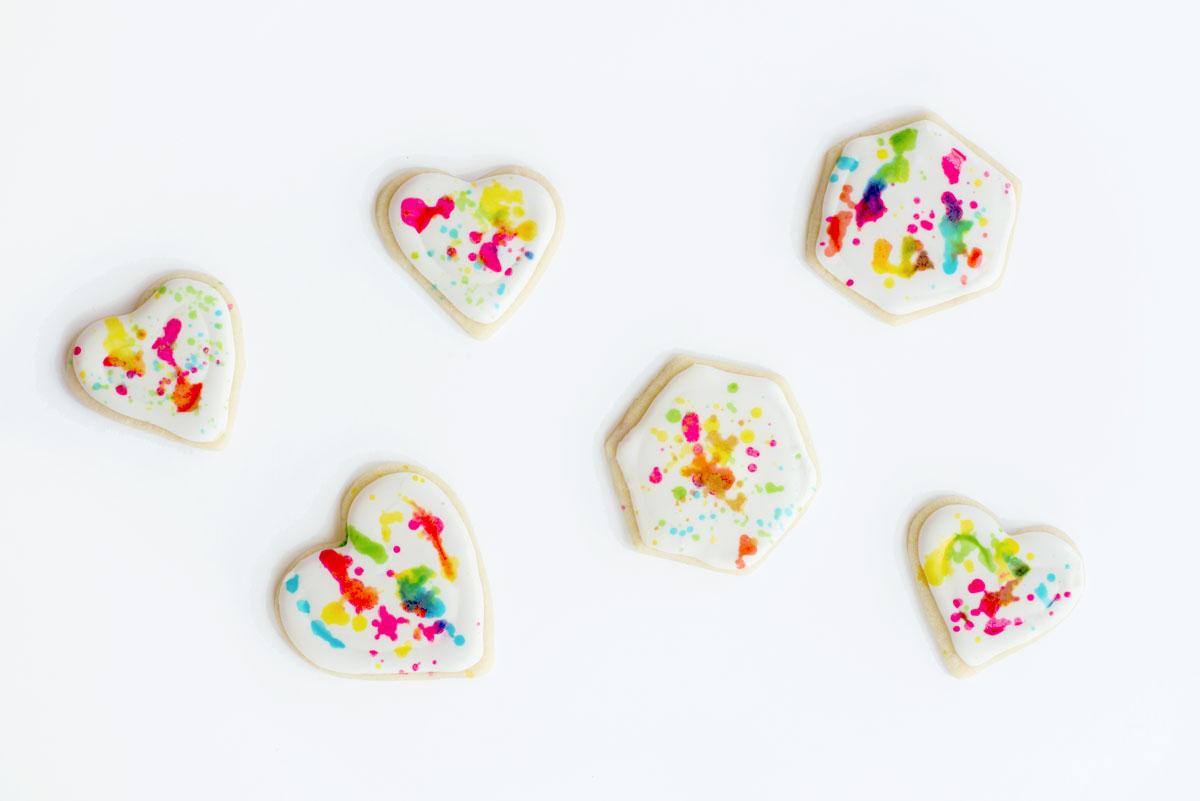 How to Make DIY Splatter Paint Sugar Cookies with Edible Food Paint