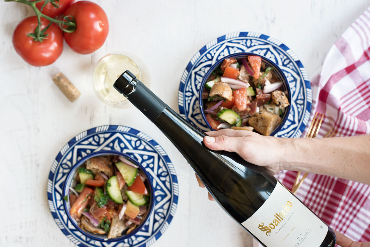 How to make an easy panzanella salad recipe plus pairing with Portuguese white wine