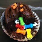 Fun Halloween Recipe - DIY Stuffed Halloween Cupcakes with Bones and Eyeballs!
