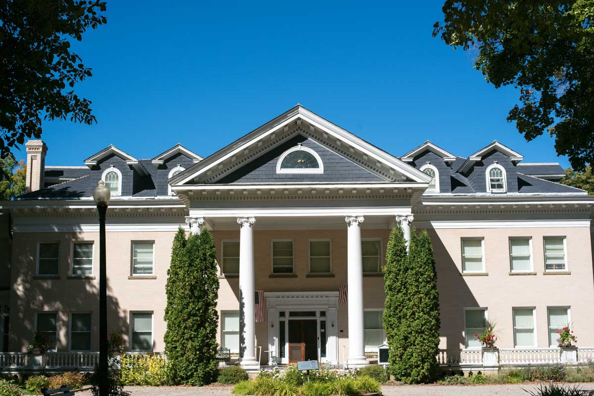 Daly Mansion Tour - Things to Do in Hamilton, Montana & the Bitterroot Valley