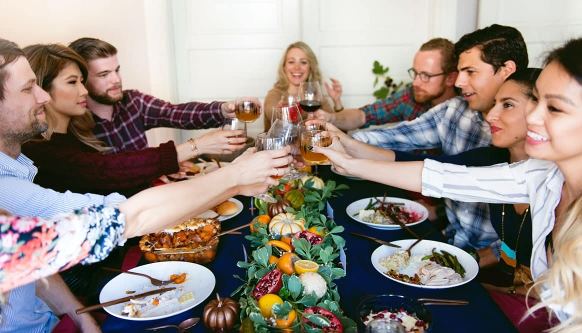 Hosting Thanksgiving Menu, Recipes, Decor and DIYs