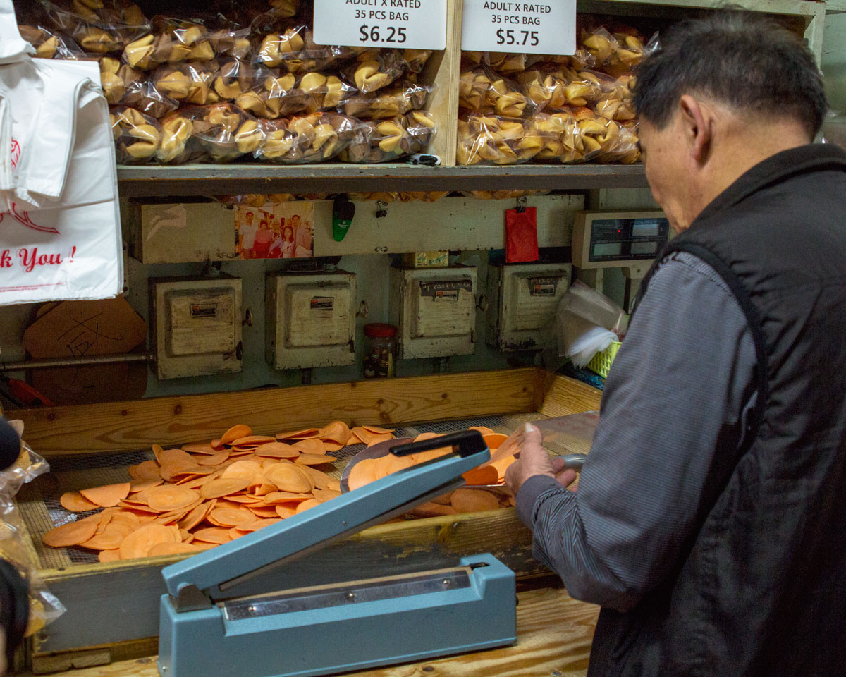 Best San Francisco Bakeries -Chinatown Fortune Cookie Factory