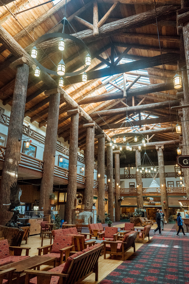 Glacier National Park Lodge - What to Do East Glacier Montana