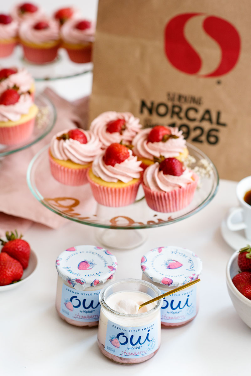 DIY Cake Stands - Reuse Crafts with Oui Yoplait Glass Jars