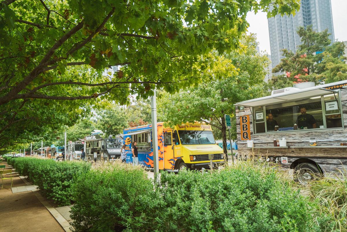 What to Do in Dallas - Dallas Klyde Warren Park Food Trucks
