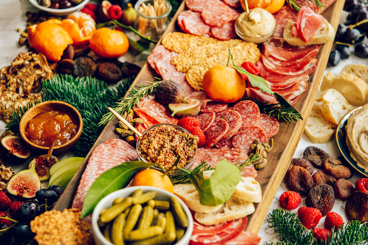 How to Make a Grazing Table for weddings or parties.