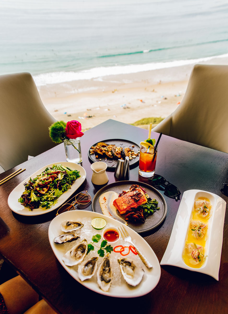 What to Do Orange County Travel Guide - Ritz Carlton Laguna Niguel Restaurant