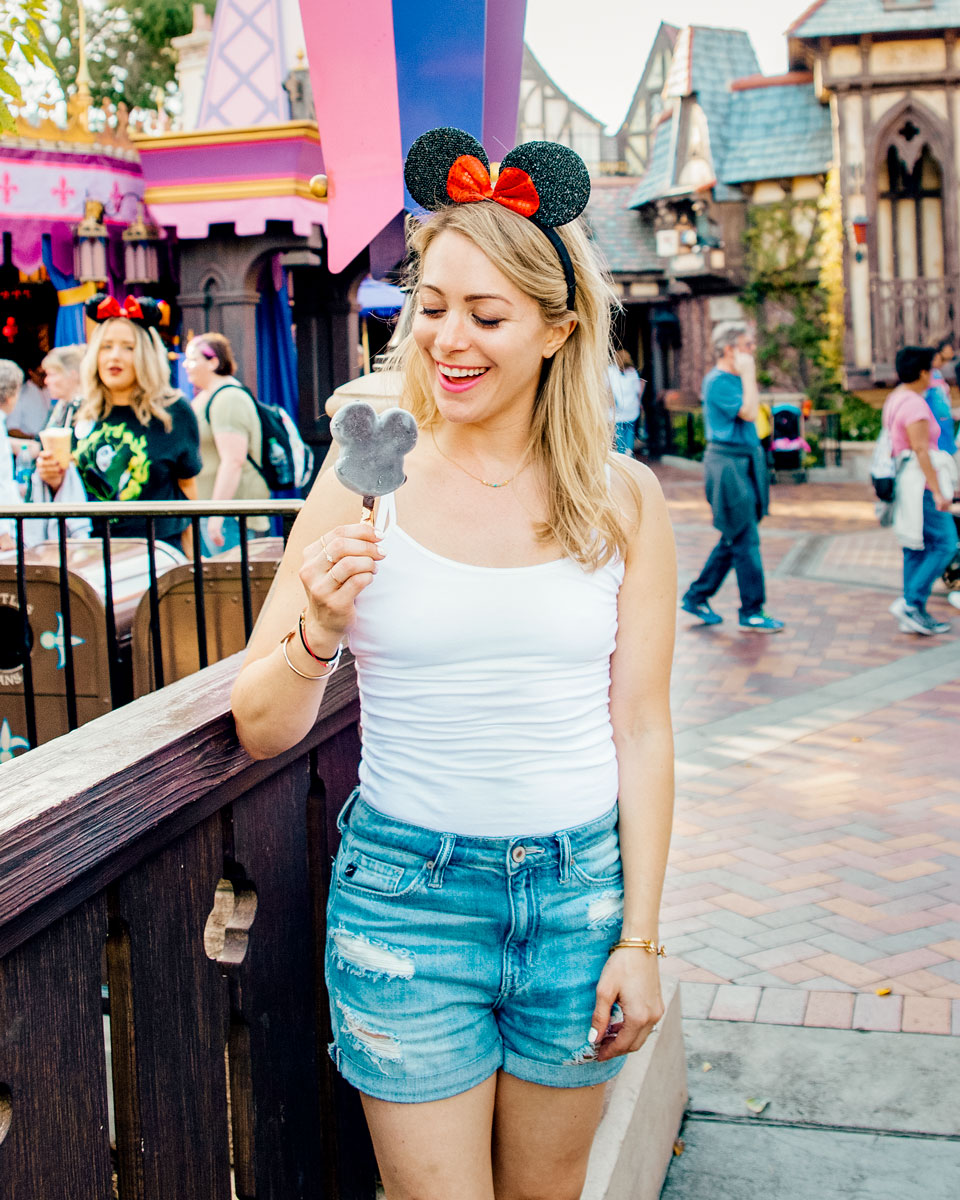 What to Do Orange County Travel Guide - Disneyland First Timer What Eat