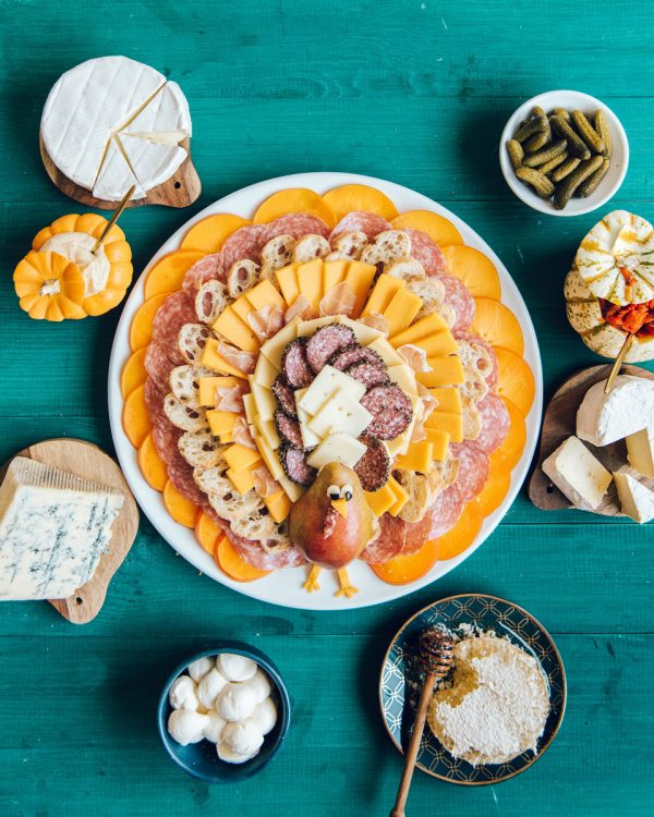 Fall Cheese & Charcuterie Board Ideas for Thanksgiving - Easy Thanksgiving Appetizer